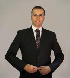 Ambiciozan sa blistavom poslovnom karijerom ispred sebe